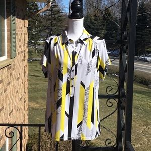 Summery top in stylish yellow, black and white.